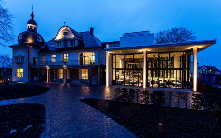 Humboldt Villa in Lüdenscheid stellt 25 neues Werke von uns aus.